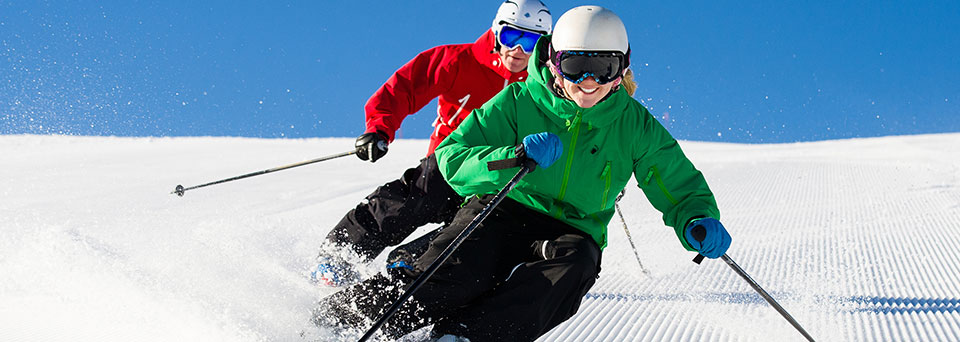 Wintersports insurance for couples